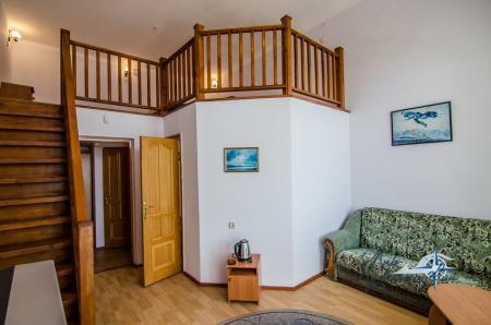 2-х местный 2-х уровневый с балконом №1, юг (с доп. местом)