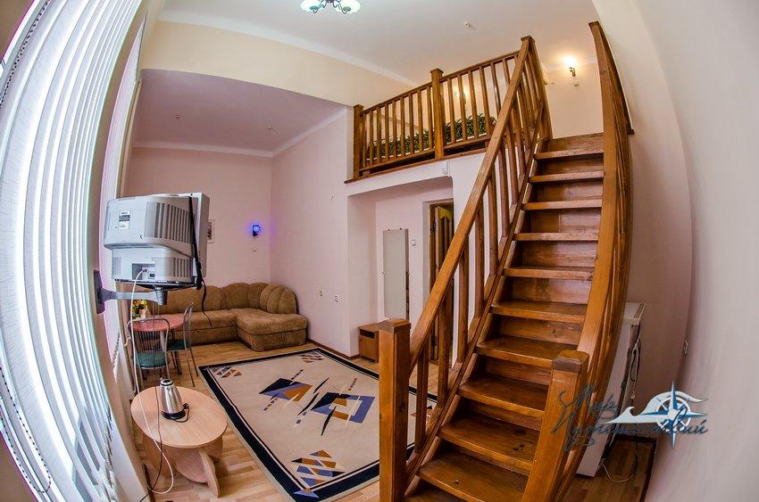 Пансионат Трехгорка Евпатория 2-х местный 2-х уровневый без балкона №6, север (с доп. местом)
