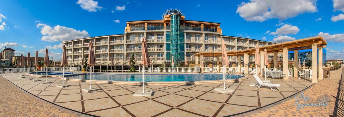 Отель Ribera Resort & SPA (Рибера)  Евпатория Территория
