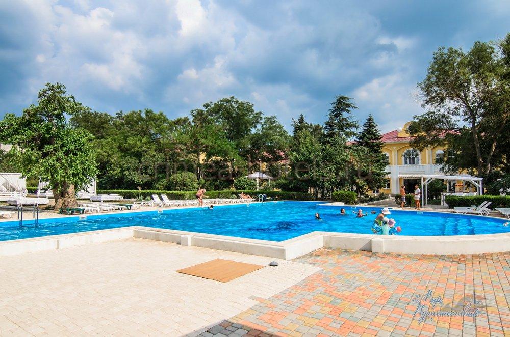 Парк-Отель Романова