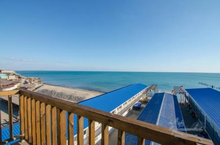 Однокомнатный «Люкс» с балконом и видом на море, до 4-х чел.