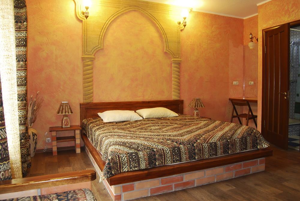 Вилла Аркале Евпатория Полулюкс 1 комнатный 2 местный ( в мароканском стиле)