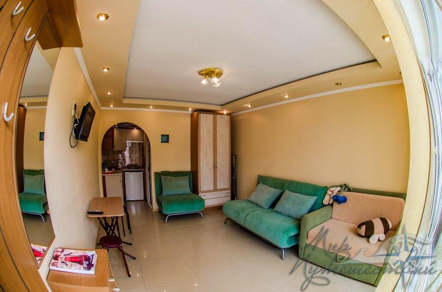 Апарт-отель Эллинги У моря (Дельфин 93) Евпатория 1 комнатный  2-4 местный №5
