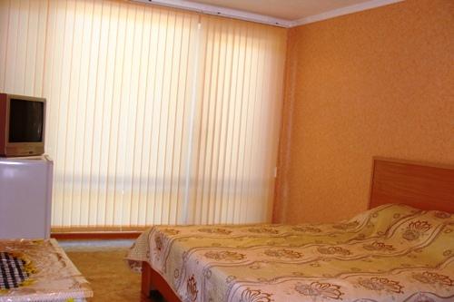 Апарт-отель Эллинги У моря (Дельфин 93) Евпатория 1 комнатный  2-4 местный №8,8а