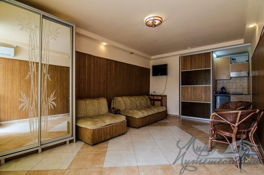 Апарт-отель Эллинги У моря (Дельфин 93) Евпатория 1 комнатный  2-4 местный №37