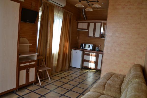 Апарт-отель Эллинги У моря (Дельфин 93) Евпатория 1 комнатный  2-4 местный  с лоджией №39а