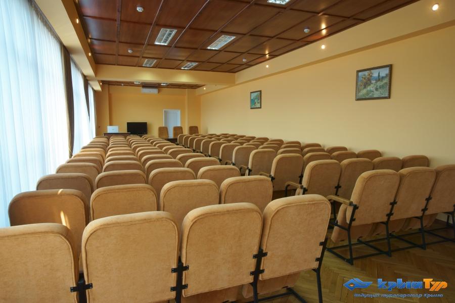 Туристско-Оздоровительный Комплекс Восход Алушта конференц зал