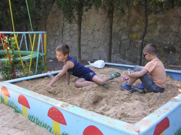 Пансионат Дубна Алушта детская площадка