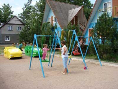 База Отдыха У Лукоморья Песчаное детская площадка