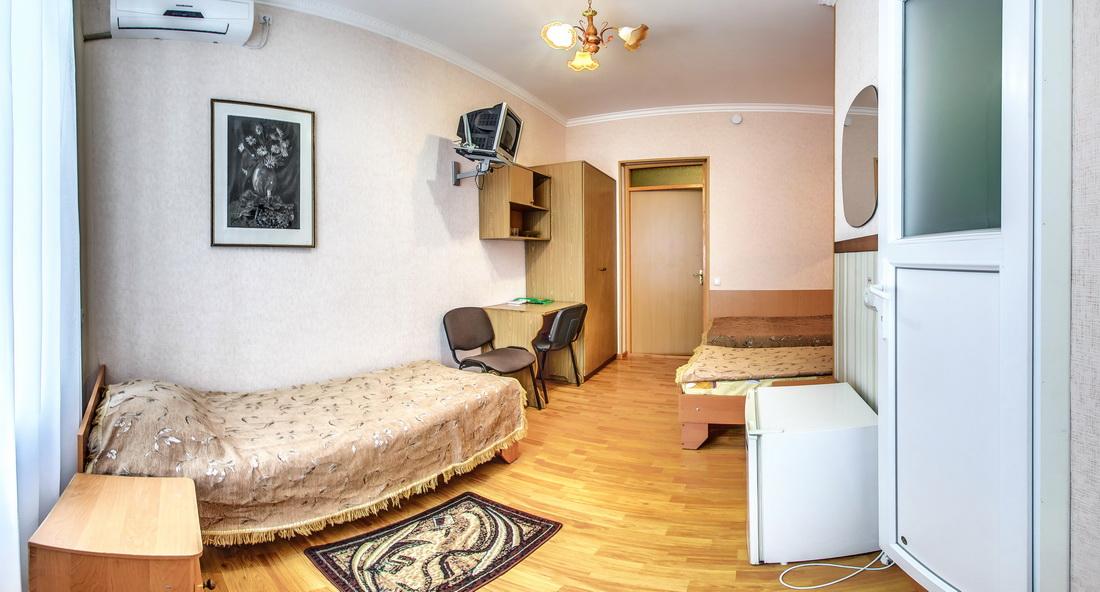 Гостиница Крым Евпатория Стандарт 1 комнатный 2 местный №10