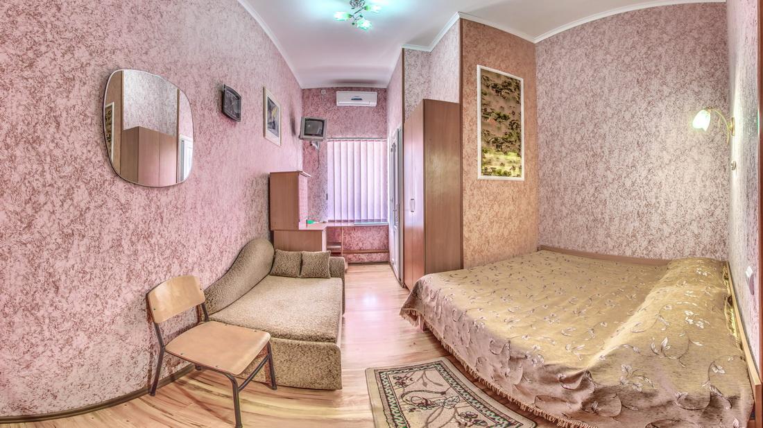Гостиница Крым Евпатория Стандарт 1 комнатный 2 местный №13
