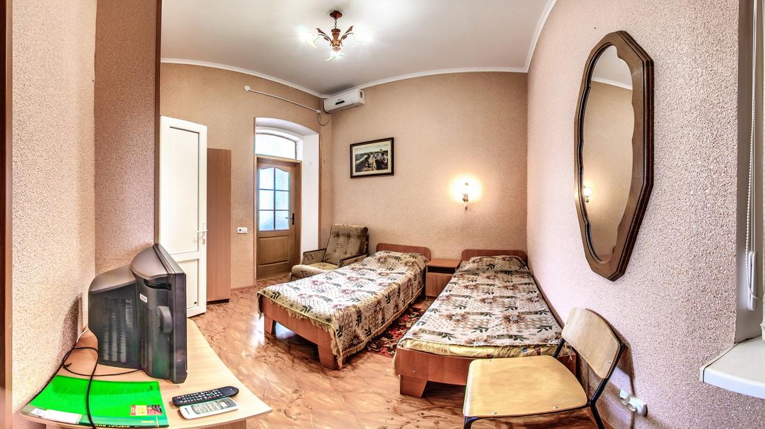 Гостиница Крым Евпатория Эконом 1 комнатный 2 местный №17