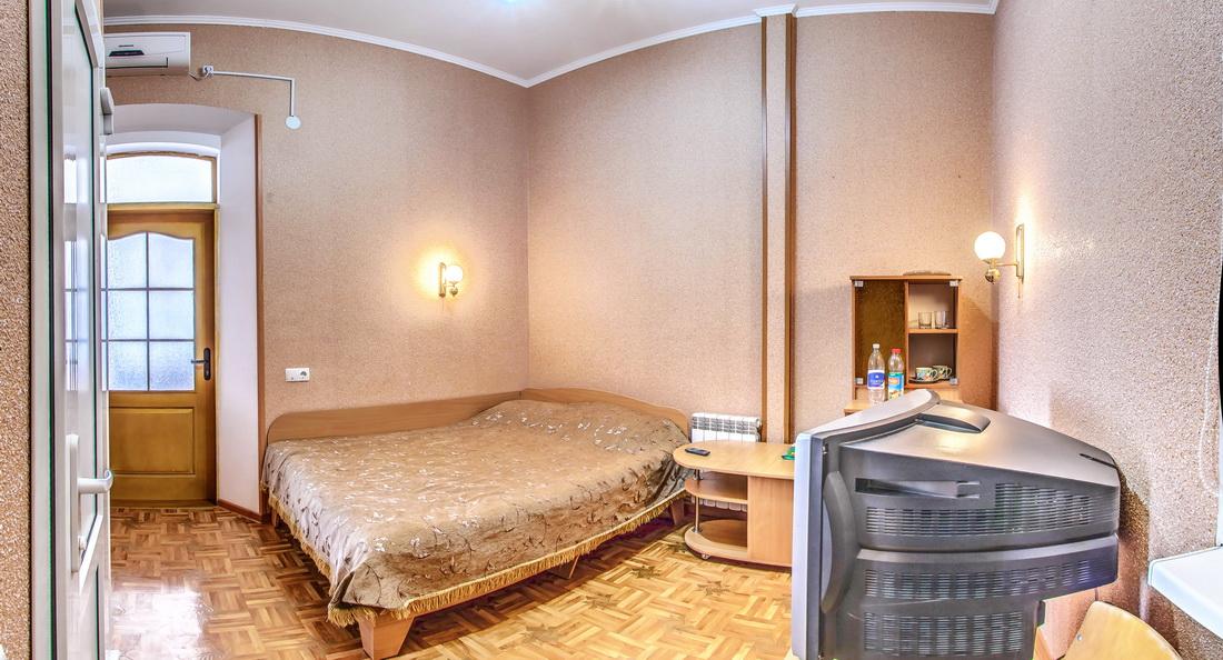 Гостиница Крым Евпатория Эконом 1 комнатный 2 местный №18