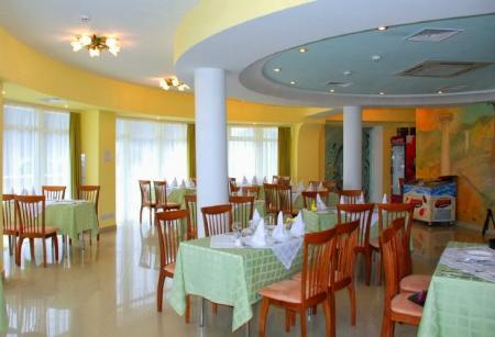 Отель Маджестик - ресторан - вид_2