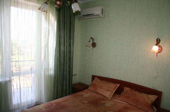 Отель Дельфин Николаевка 1-но комнатный 2-х местный