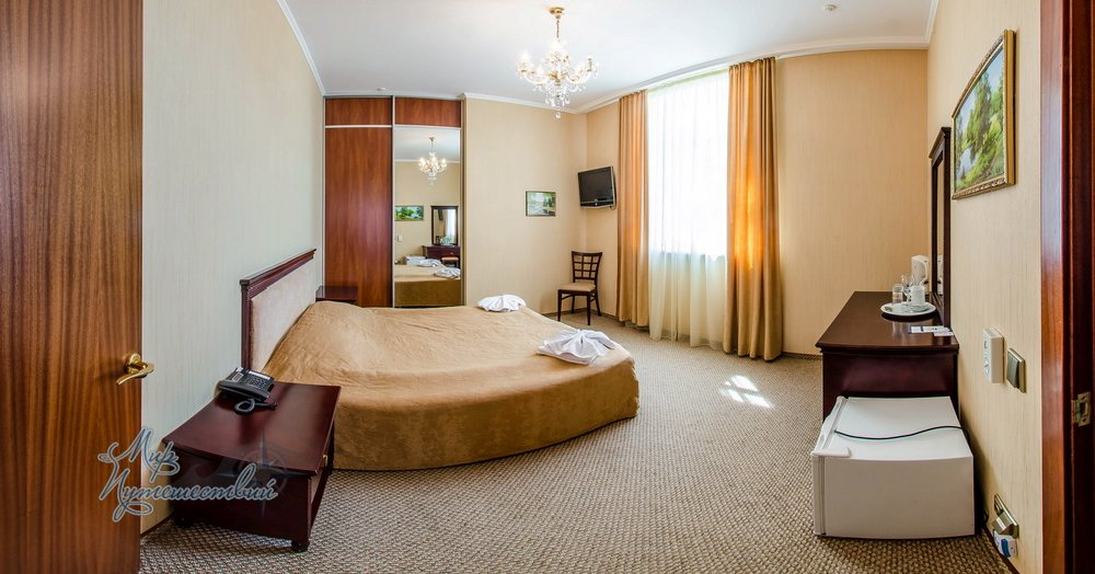 Отель ТЭС Отель Евпатория Стандарт семейный двухкомнатный