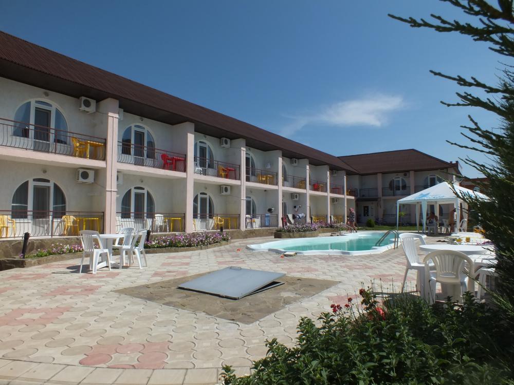 Отель Морской Штормовое курорт Евпатория
