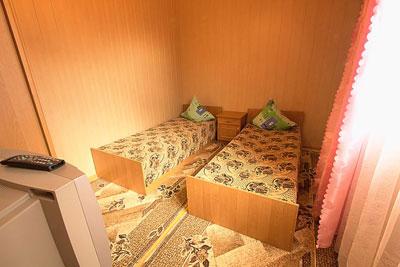 База Отдыха Запорожская Сечь Феодосия Cтандарт 3 категории (домик 2-х местный) комната