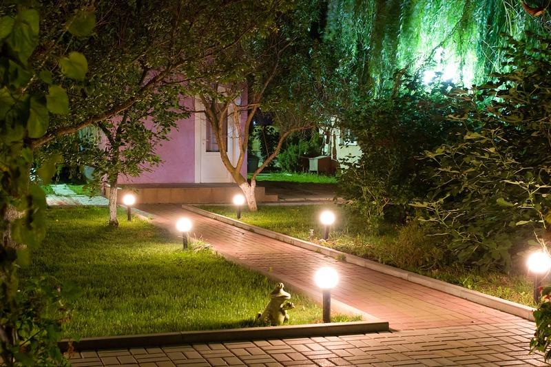 База Отдыха Запорожская Сечь Феодосия территория-ночь