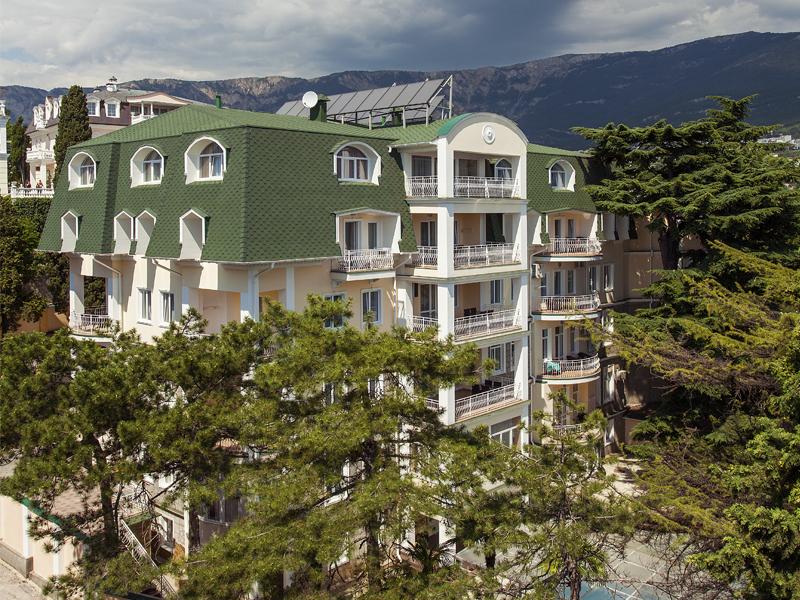 Отель Империал 2011 Ялта Территория