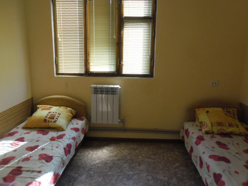 Апартаменты 2 комн.  на ул Средняя 65 кв 5 Евпатория SAM_0040