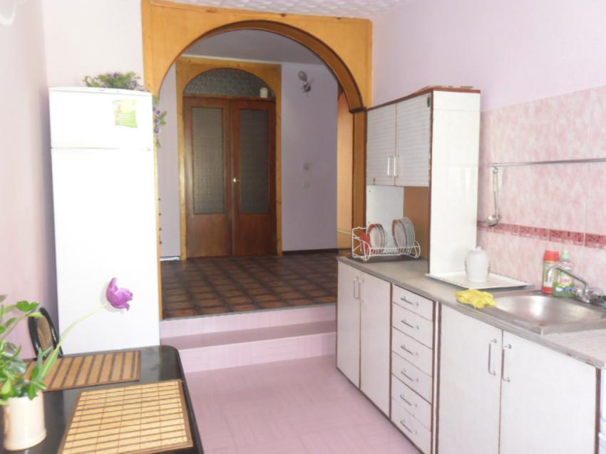 Апартаменты 2 комн.  на ул Средняя 65 кв 5 Евпатория SAM_0167