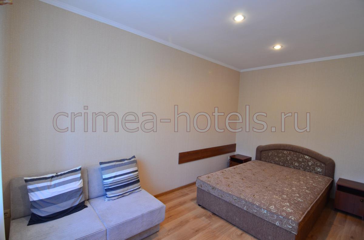 1-комнатный с двуспальной кроватью