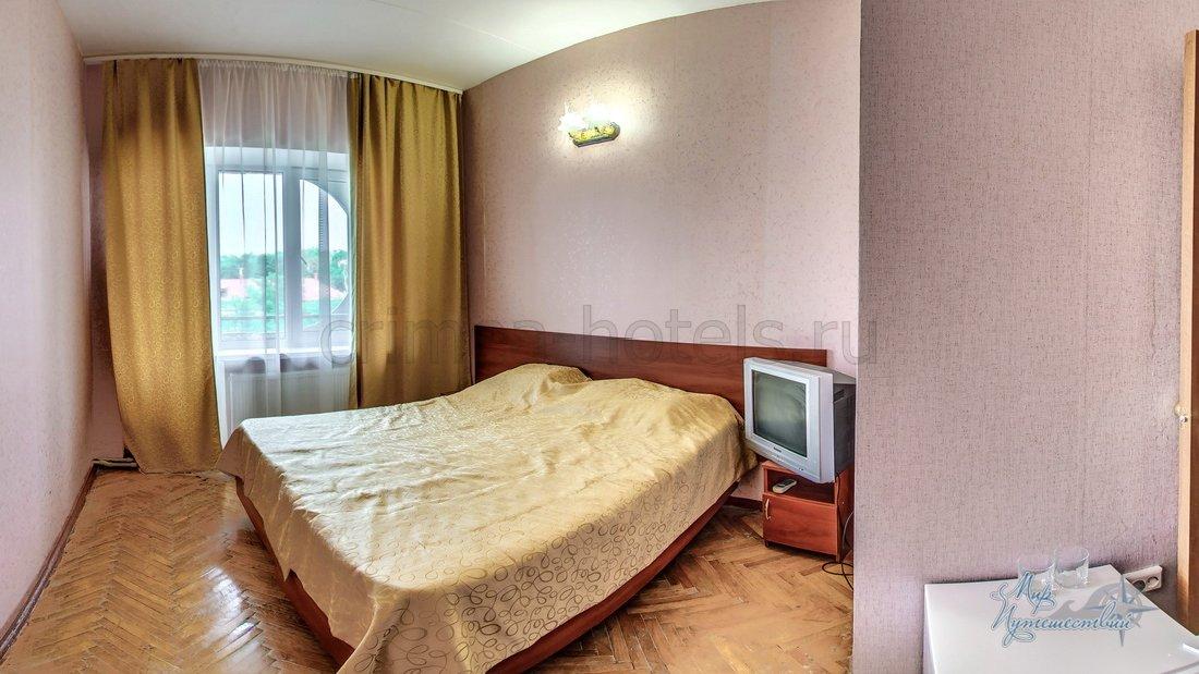 Отель Family Resort (Фемили Резорт) Евпатория 1комнатный 2 местный стандарт (мини)