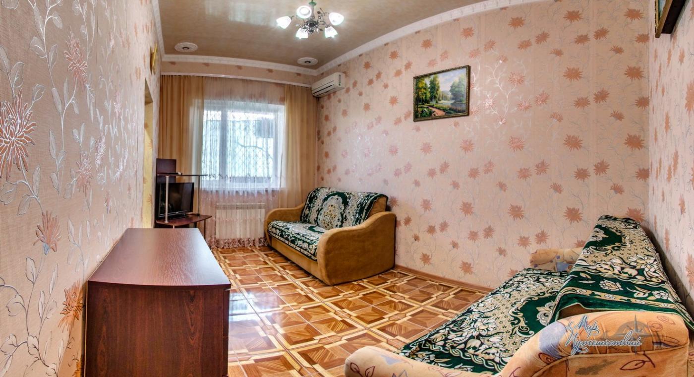 Апартаменты на Революции 39 Евпатория