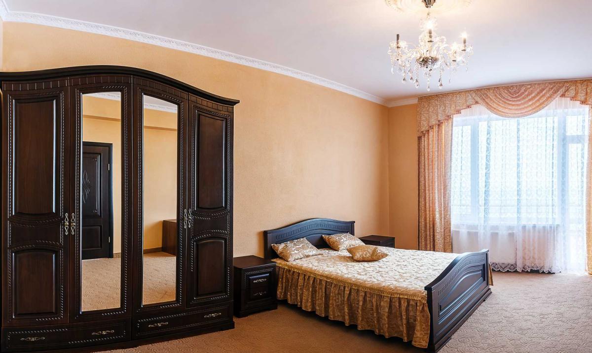Отель Barton Park Алушта 2-х комнатный люкс