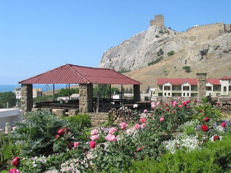 Отель Бастион Судак Генуэзская крепость