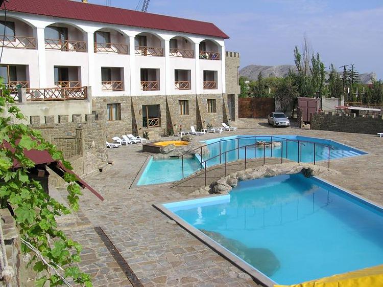 Отель Бастион Судак первый корпус