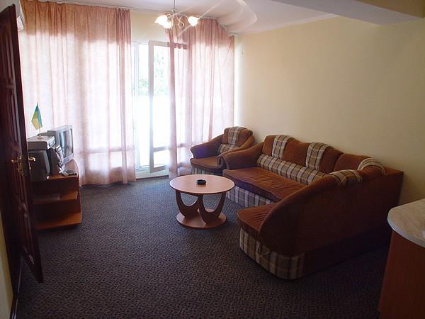 Отель Бастион Судак люкс кор. №5