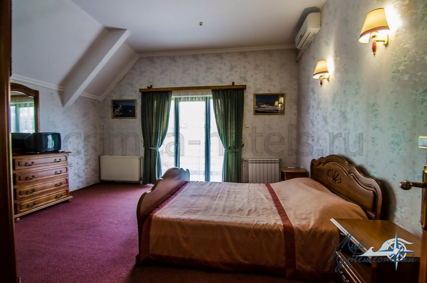 Санаторий Белоруссия Кореиз 2-х местный 3-х комнатный Люкс, корпус 2
