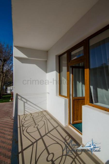 1-комнатный 2 местный номер с балконом и видом на море (корпус №5)